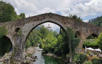 Cangas de Onís, la puerta de los picos de Europa
