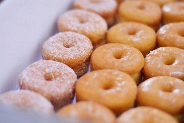 Donuts. Bimbo. Vicky Foods.