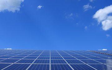 Energía fotovoltaica. Luz. Electricidad.